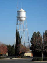 Water tank in downtown Clovis CA, erected in 1913